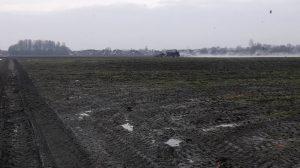 Bunning-compost-gips-kalk-meststrooiers-Loonbedrijf-AGdeVries-1
