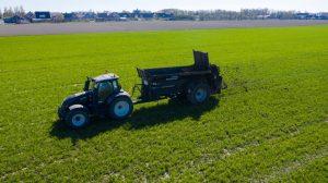 Bunning-compost-gips-kalk-meststrooiers-Loonbedrijf-AGdeVries-4