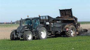 Bunning-compost-gips-kalk-meststrooiers-Loonbedrijf-AGdeVries-6